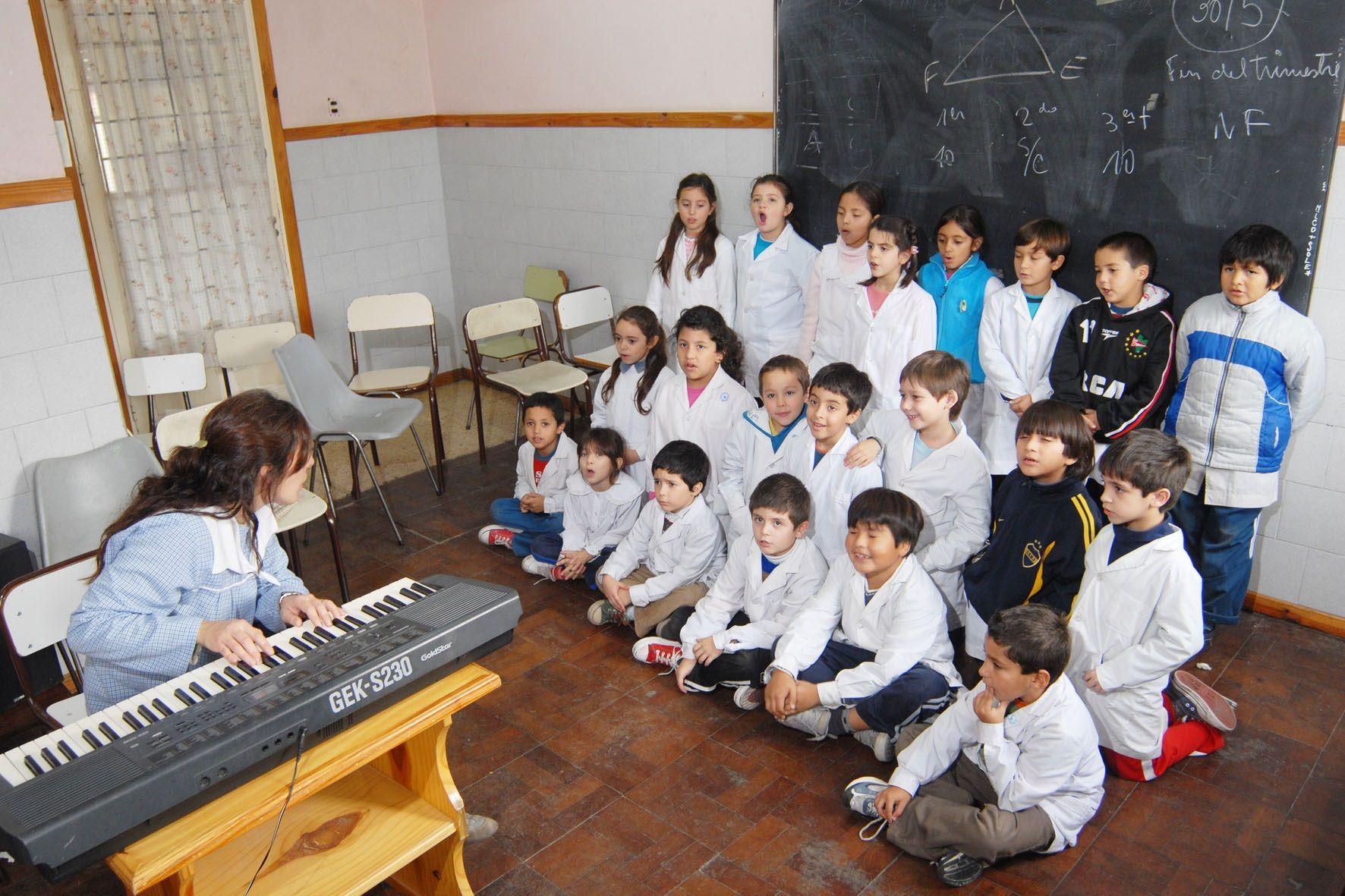 Niños en clase de Música2