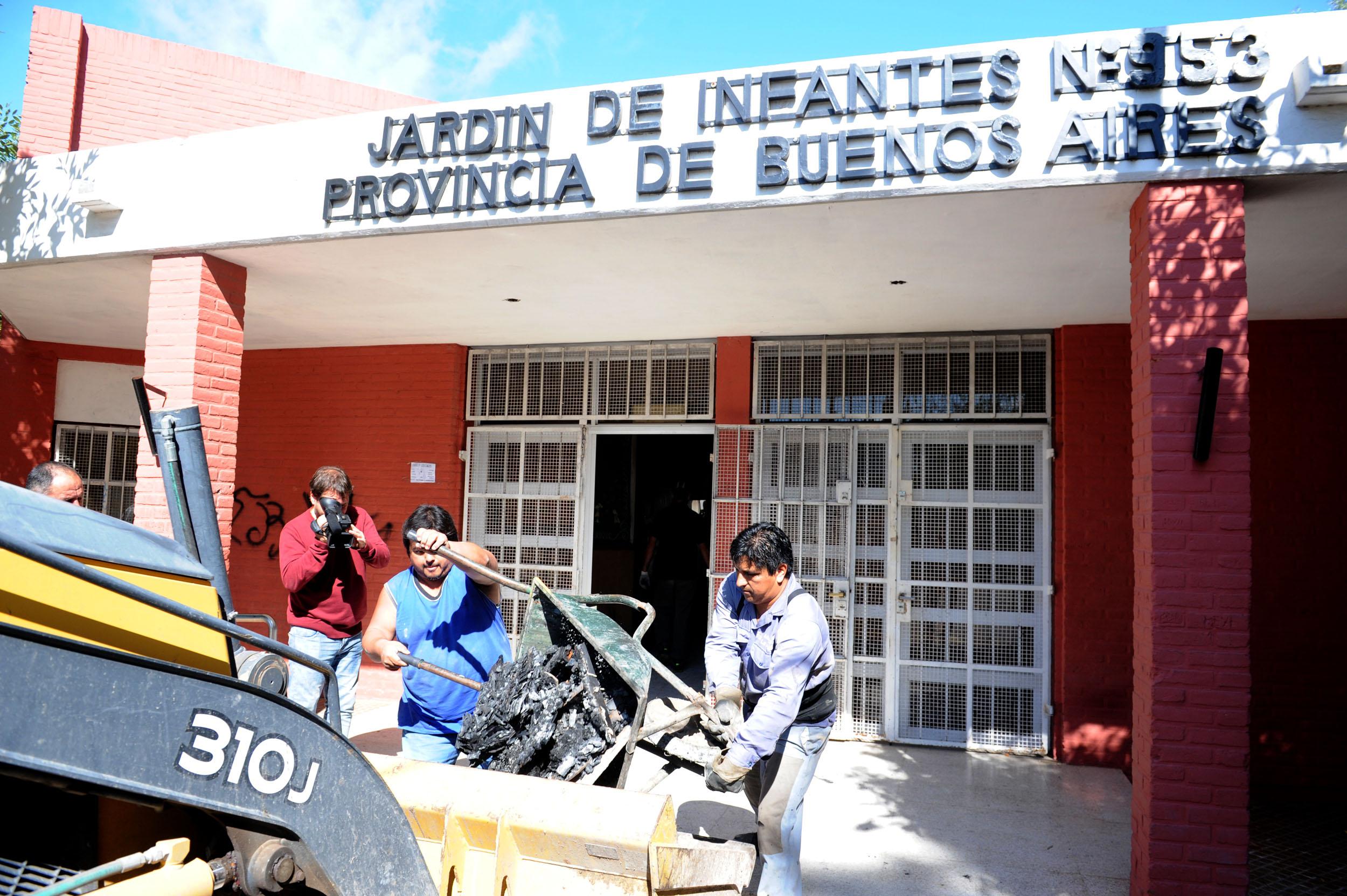 29 marzo- Provincia comenzó los trabajos de reparación en el Jardín 953 de La Matanza 4