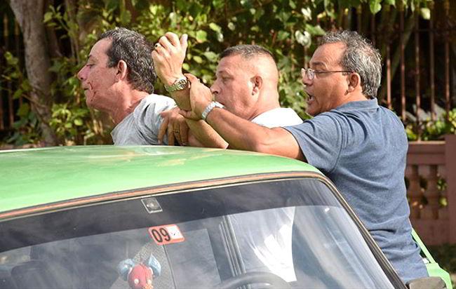 Halla-a-periodista-cubano