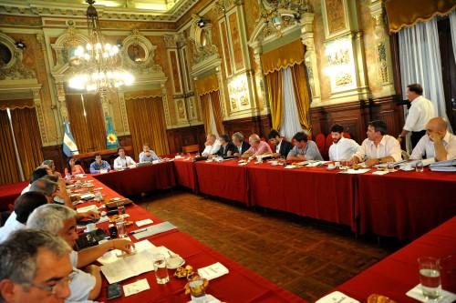 Noticias_chivilcoy_17marzo Cenzón-con-intendentes-500x333