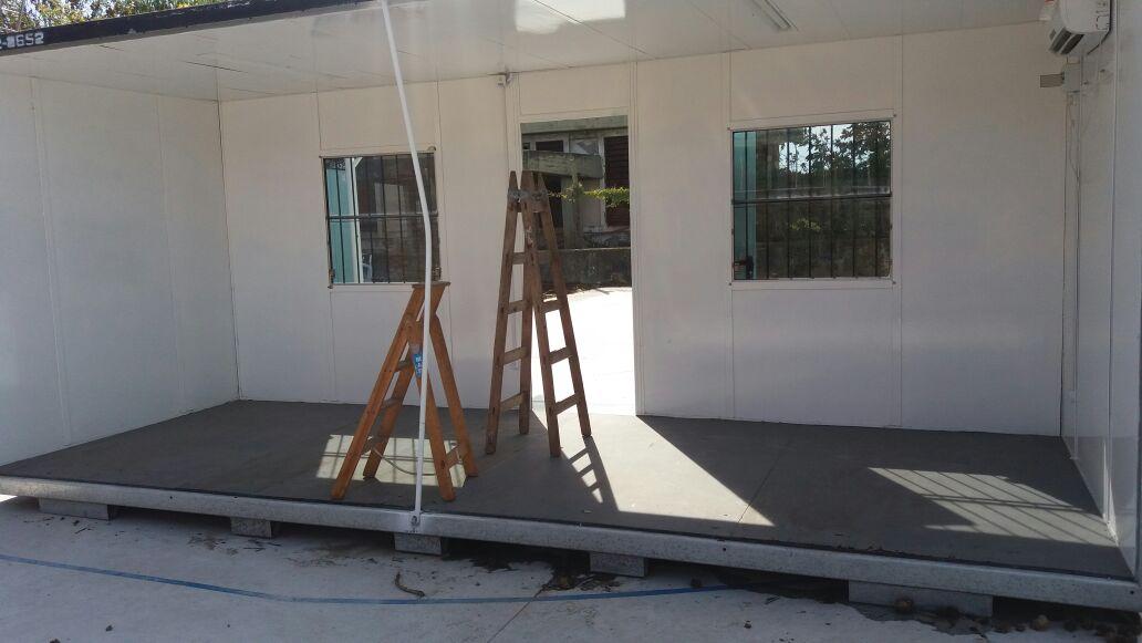 28-04-2016 - Comenzaron a instalar las aulas modulares en la Técnica 2 de Ensenada 2