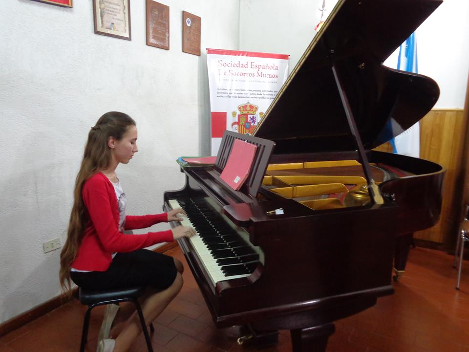 Alumna de Alberdi va a EE UU 1 (1)