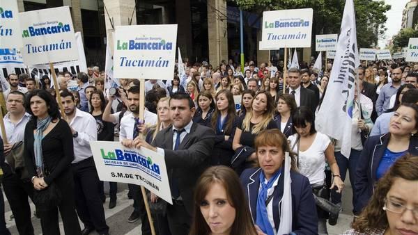 Antecedente-protestas-bancarios-ocurrio-Tucuman_CLAIMA20160420_0329_28