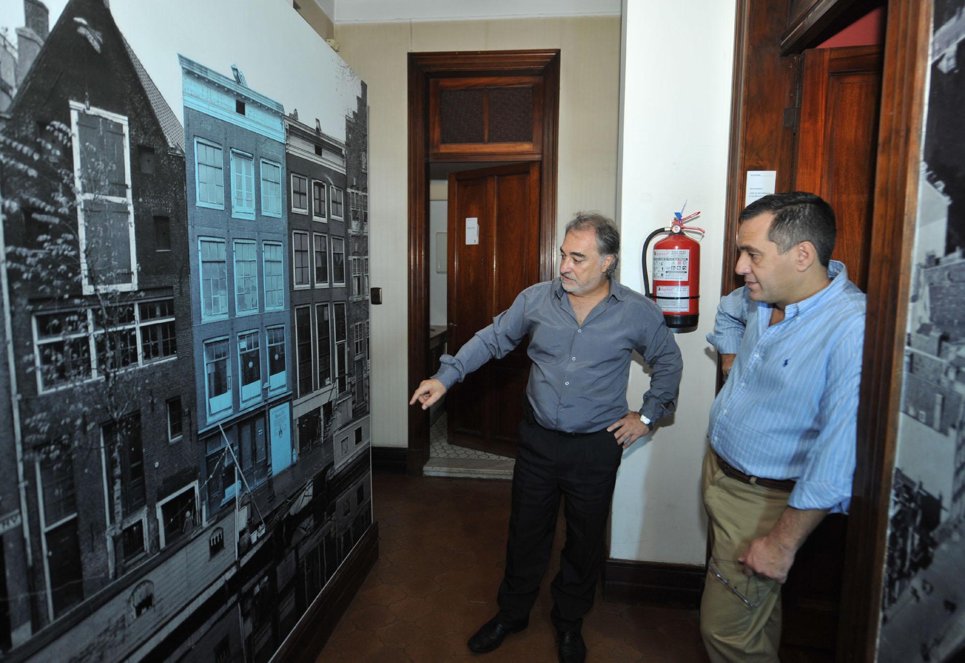 Noticias_chivilcoy_15-04-2016- Finocchiaro firmó convenio con la Casa de Ana Frank III