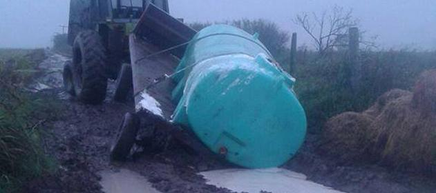 derrame-leche-inundaciones-631