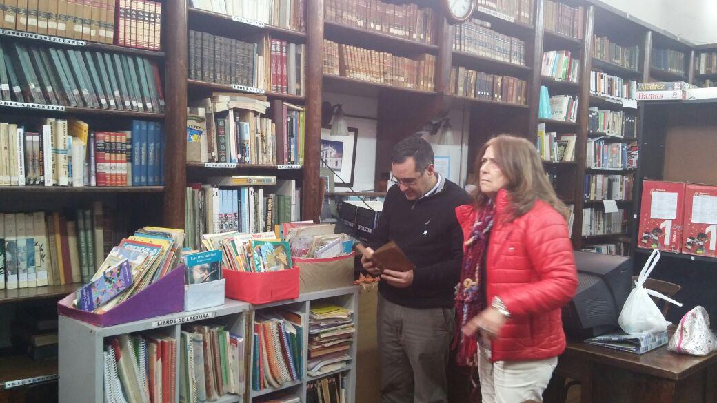 23-05-2016- Finocchiaro en la Biblioteca del Normal Ameghino de Luján