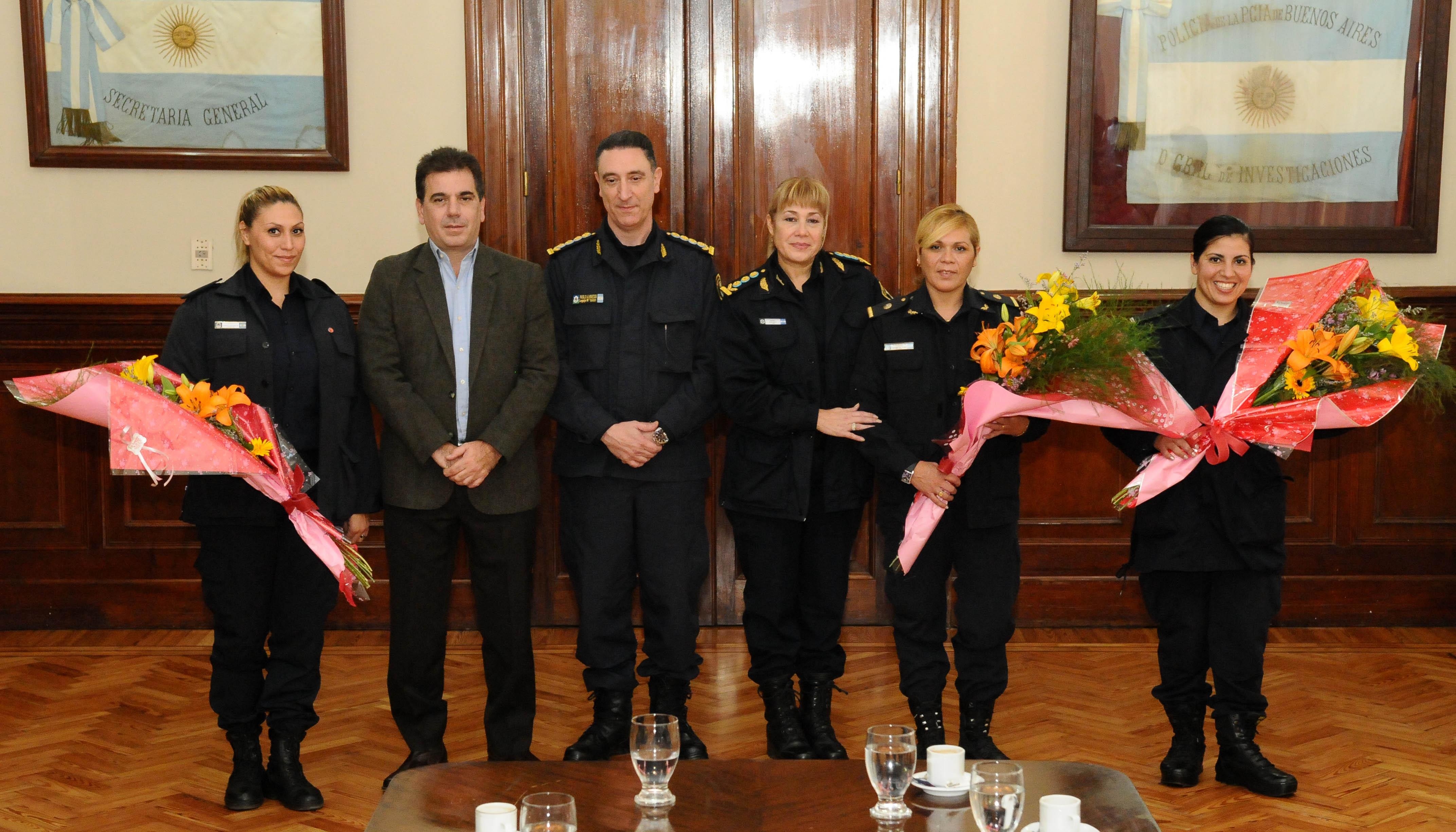 23-05 Ritondo recibió a policías de la comisaría de la Mujer de Tres de Febrero (1)