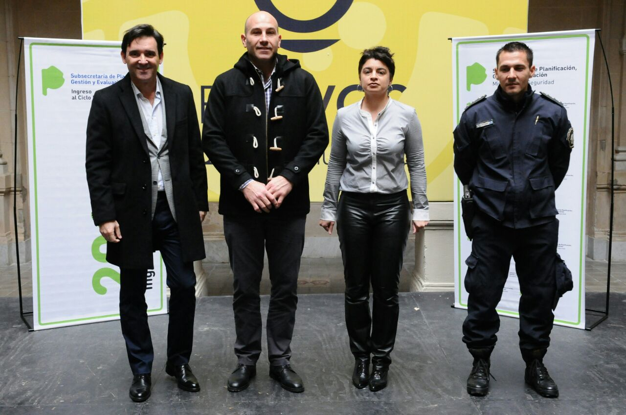 Charla a cadetes de Policía Local de Quilmes