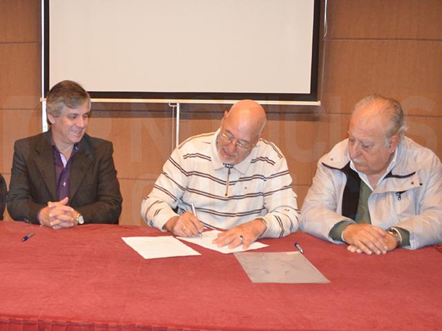 NOTICIAS-CHIVILCOY-CONVENIO-ENTRE-ESCUELA-TECNICA-CENTRO-COMERCIAL-Y-LA-MUNICIPALIDAD-2