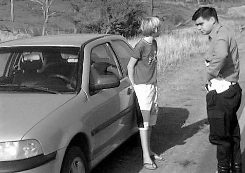 nene-manejaba-auto