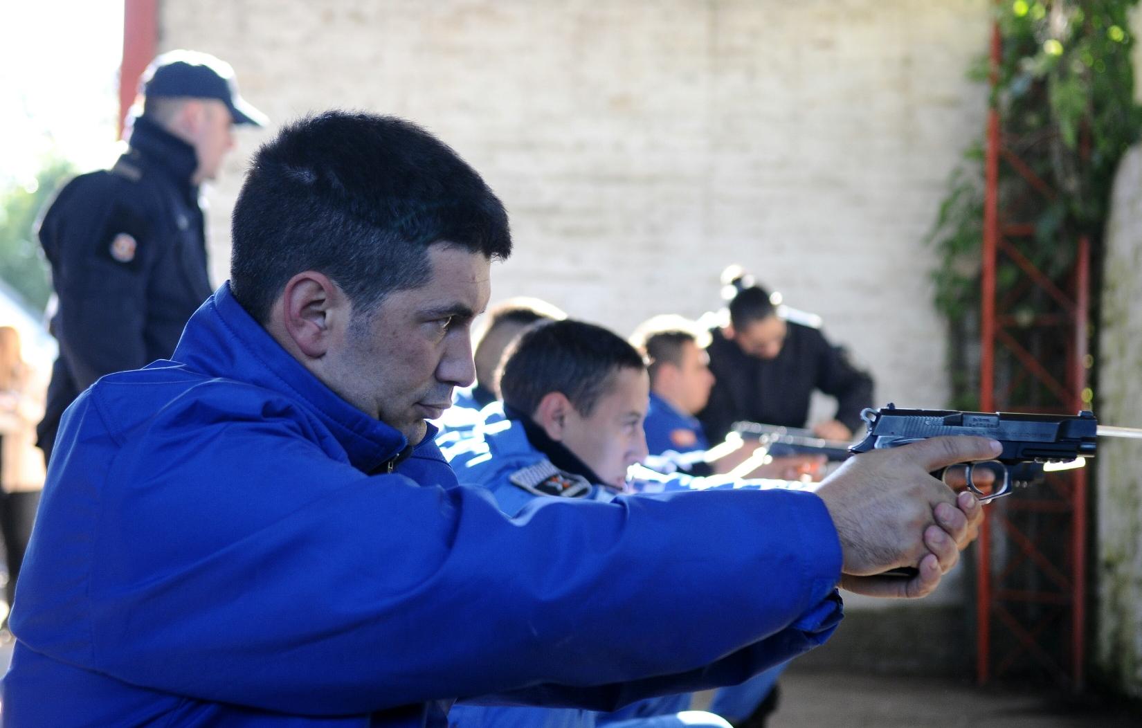 Reentrenamiento de Policía Local de Quilmes (2)