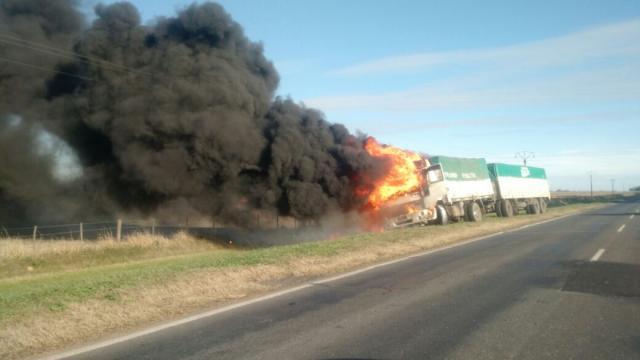 camión incendiado junin
