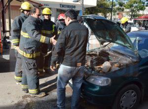 noticias-chivilcoy-auto-incendio-1