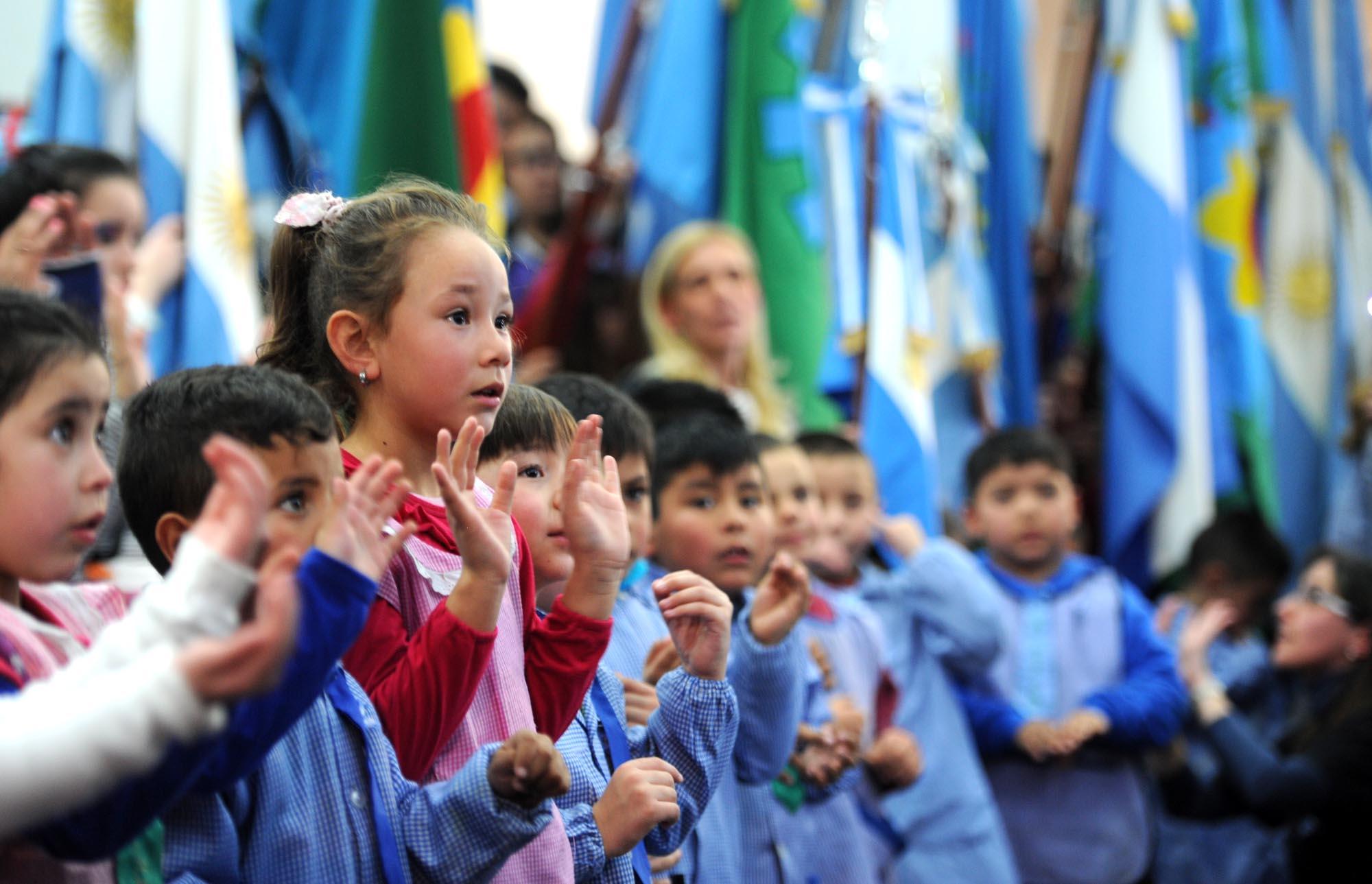 07-07-2016 - Finocchiaro en el acto de los 200 años de la independencia en La Matanza 2