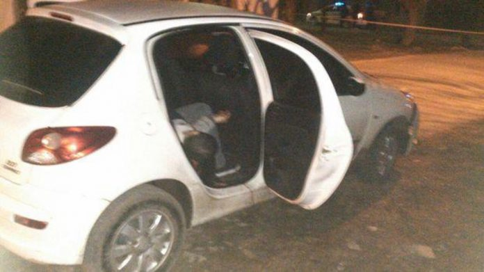 muerto en  el  auto