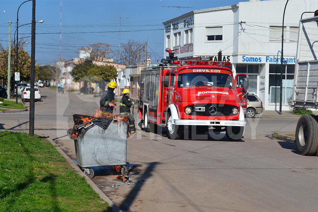 noticias-chivilcoy-incendio-contenedor-6