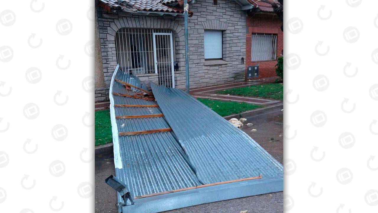 vuela-techo-de-casa-en-pena-y-el-cano